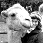 Catharina Clas mit Kamel, Autorin der Bommelbande